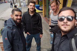 טל בר (משמאל) עם החברים לטיול. צילום באדיבות המשפחה