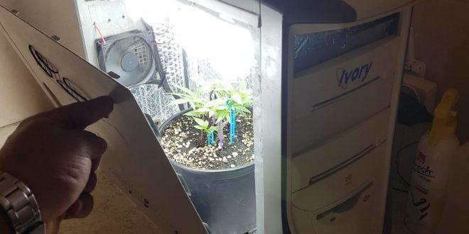 המחשב שנתפס בפשיטה. צילום: דוברות המשטרה