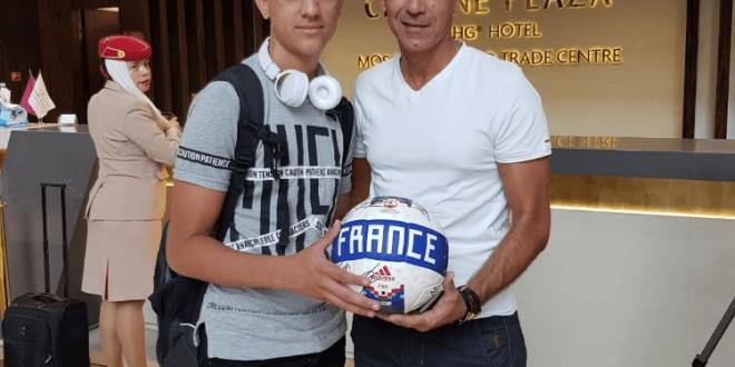 אורן ואבי לוי עם הכדור המפורסם (צילום עצמי)