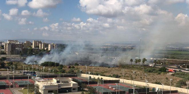 שריפה בעכו (צילום: דוברות כיבוי אש זבולון)
