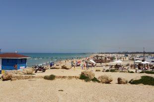 חוף בית ינאי צילום רותי ברמן