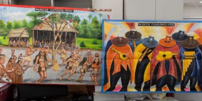 ציורי השמן, בהם הוסלק הקוקאין (צילום: דוברות המשטרה)