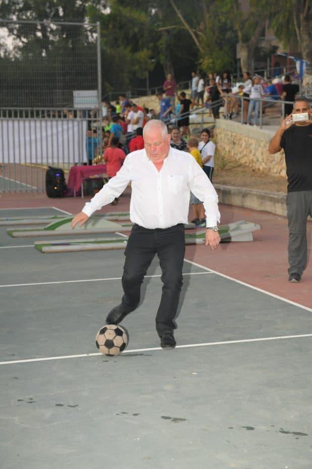 כישורים עם הכדור. פלוט (צילום עצמי)