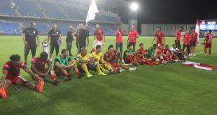 שחקני הפועל חדרה חוגגים את הניצחון על הפועל חיפה. צילום: שלומי גבאי