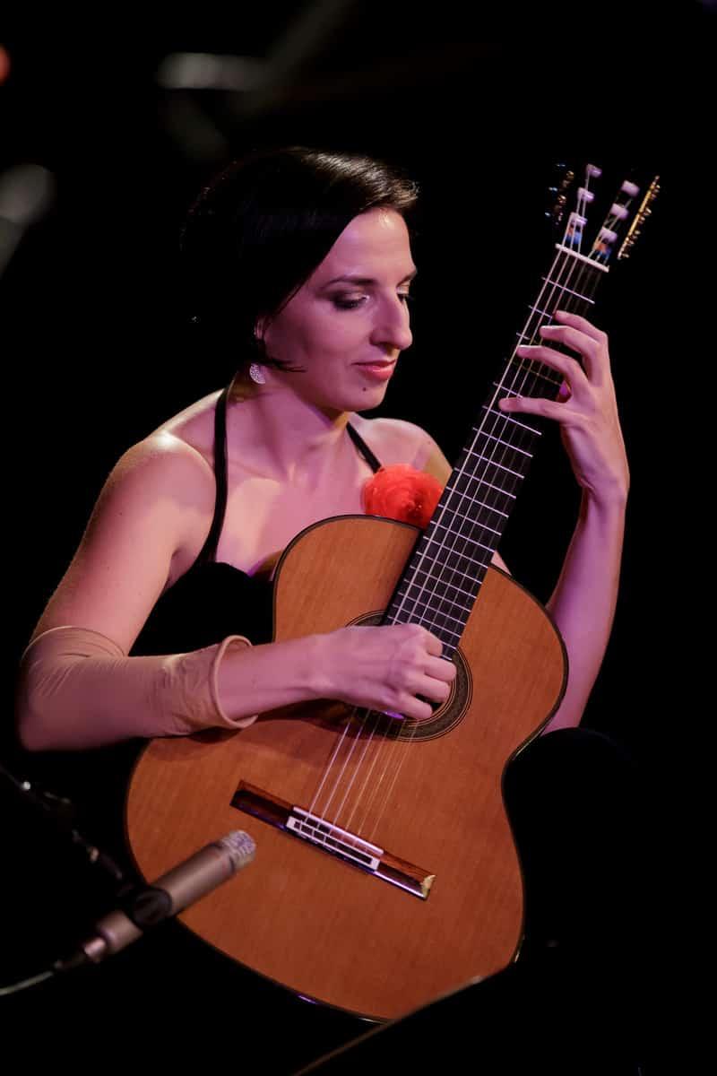פניני הגיטרה באדיבות דוברות עירית נתניה