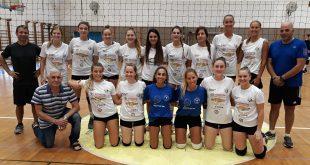שמחים על הניצחון. קבוצת הנשים (צילום: גדעון רוזנשטיין)