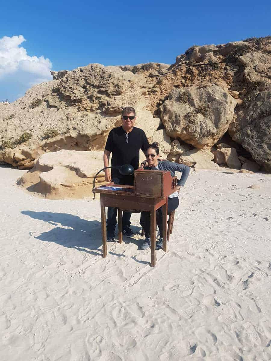 חוגג. ערן גרבלר עושה יום הולדת צילום פרטי לאתר בלינקר