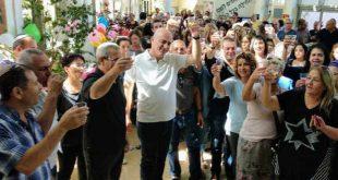 """חגיגות ניצחון במטה. דוידוביץ (צילום יח""""צ)"""