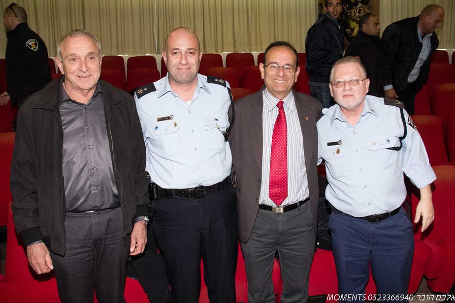 ראש העירייה אלדר, השר אהרונוביץ ובכירי התחנה בעיר