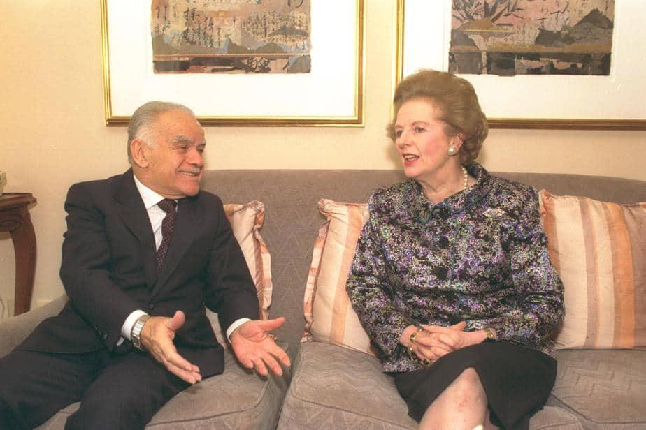 """מרגרט תאצ'ר וראש ממשלת ישראל לשעבר יצחק שמיר ז""""ל"""