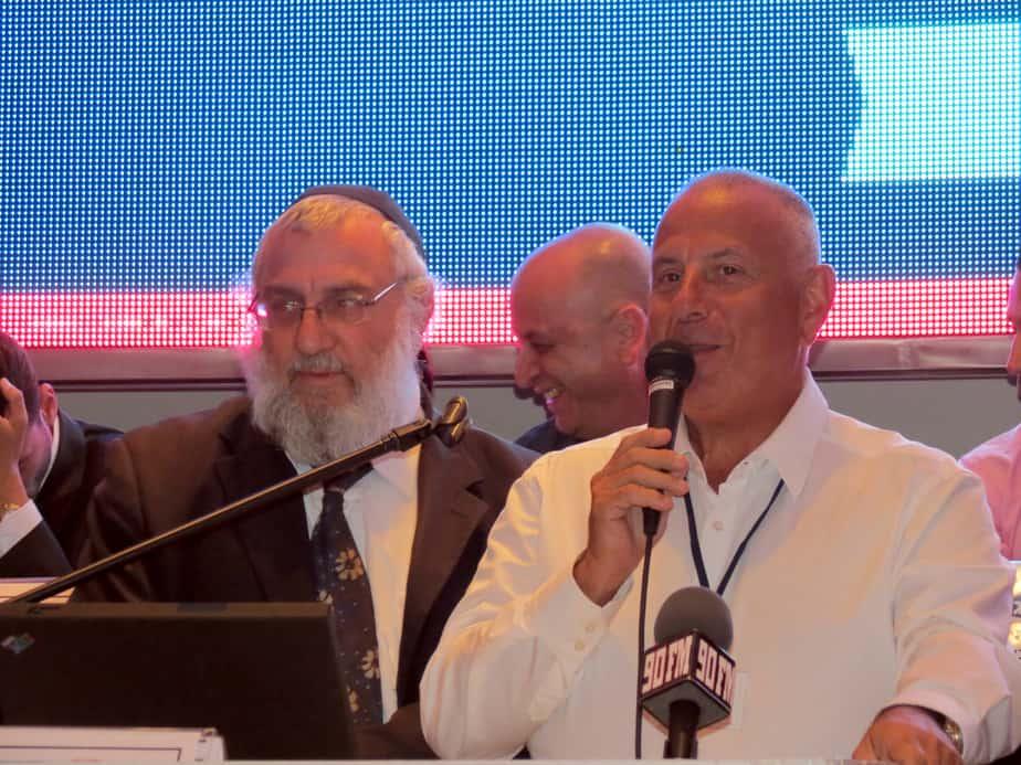 מיכה פדרינג בקמפיין לראשות העיר