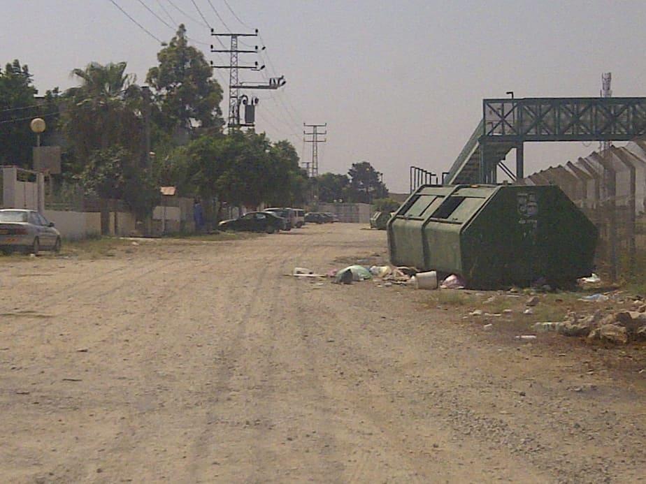 רחוב קיבוץ גלויות מערב עכו (צילום: רותם כבסה)