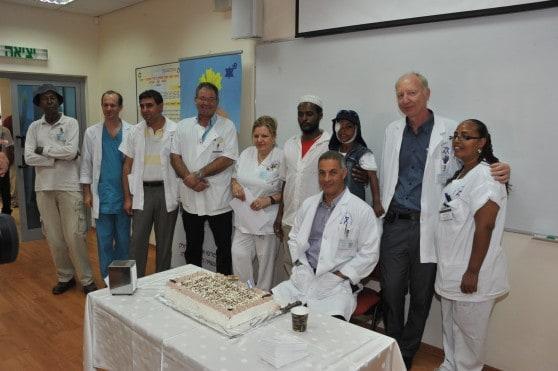 עבדול ראזק במסיבת הפרידה (צילום: רוני אלברט ודוברות המרכז הרפואי)