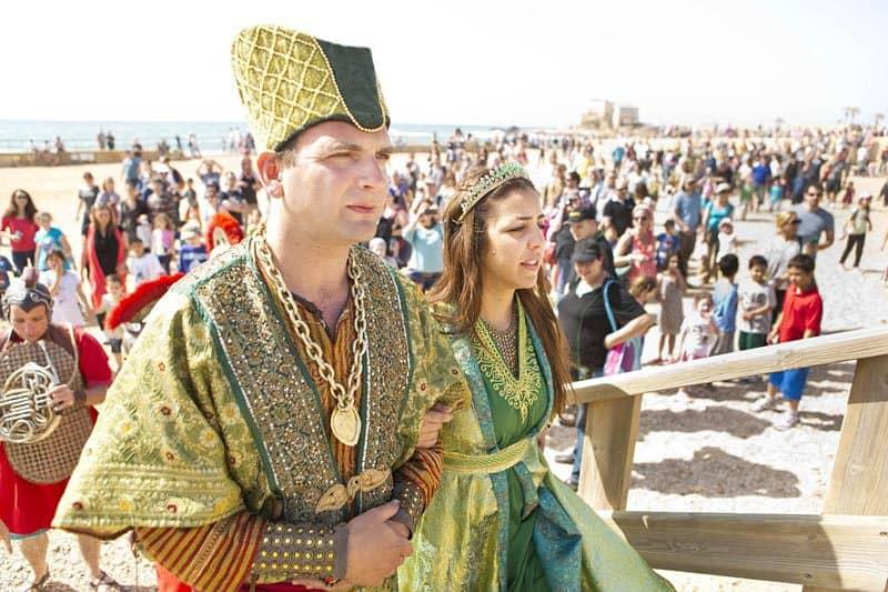 הצגות בשוק הרומי, מתוך פסטיבל העת העתיקה בפסח האחרון (צילום: כפיר בולוטין)