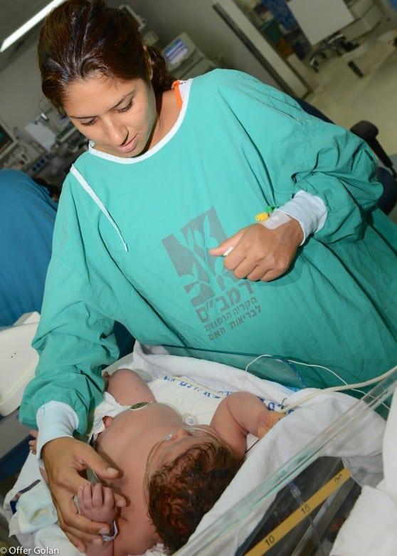 """תינוק במשקל 6.24 ק""""ג"""