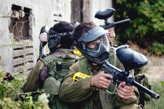 """תרגול לחימה בשטח בנוי. חיילי נצח ישראל (דובר צה""""ל)"""