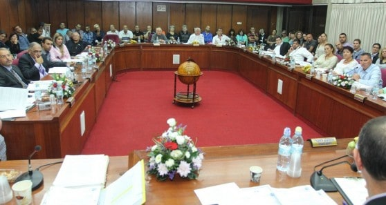 מליאת מועצת העיר עכו (צילום: דוברות)