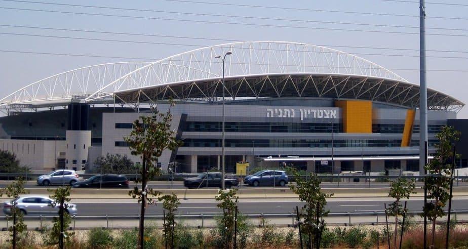 אצטדיון הכדורגל בנתניה (צילום: רותי ברמן)