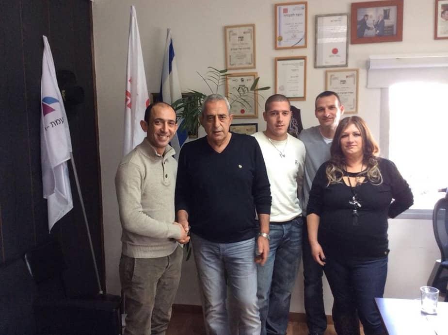 """ועד הפעולה החדש של עובדי מפעל טמבורד עם יו""""ר ההסתדרות אשר שמואלי"""