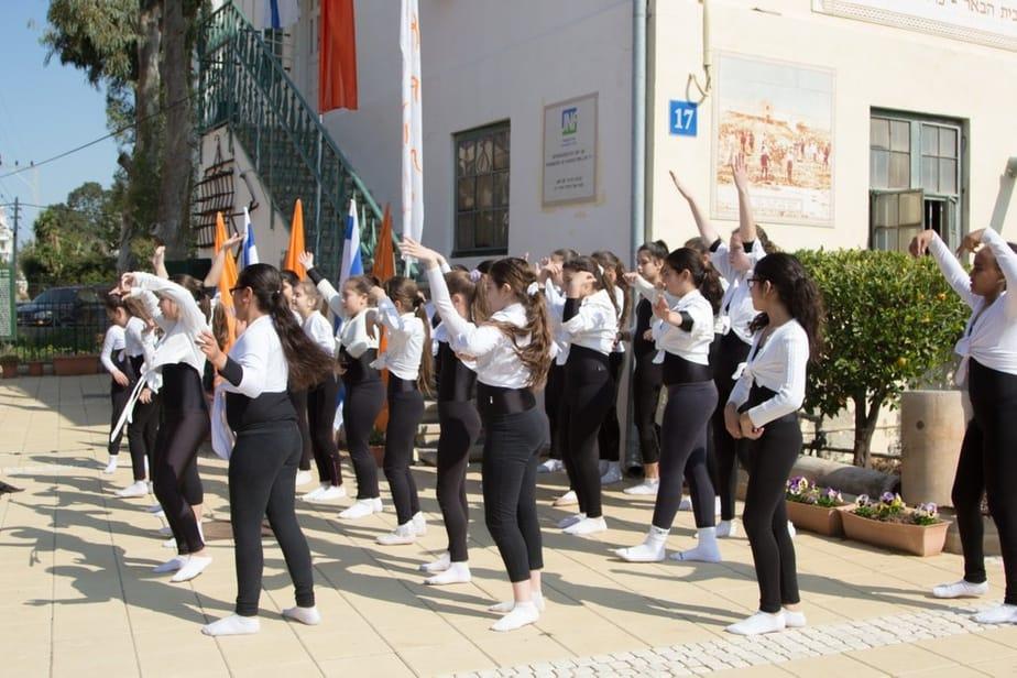 תלמידי נתניה בטקס בעיר (צילום: נורית מוזס)