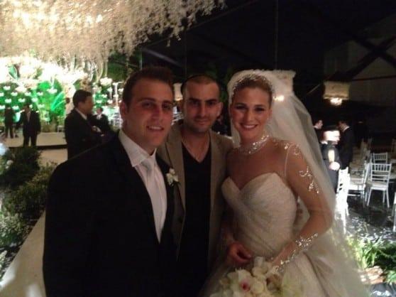 די ג'יי רועי פרנקו בפנמה עם החתן והכלה רקל וג'קי צילום: עצמי