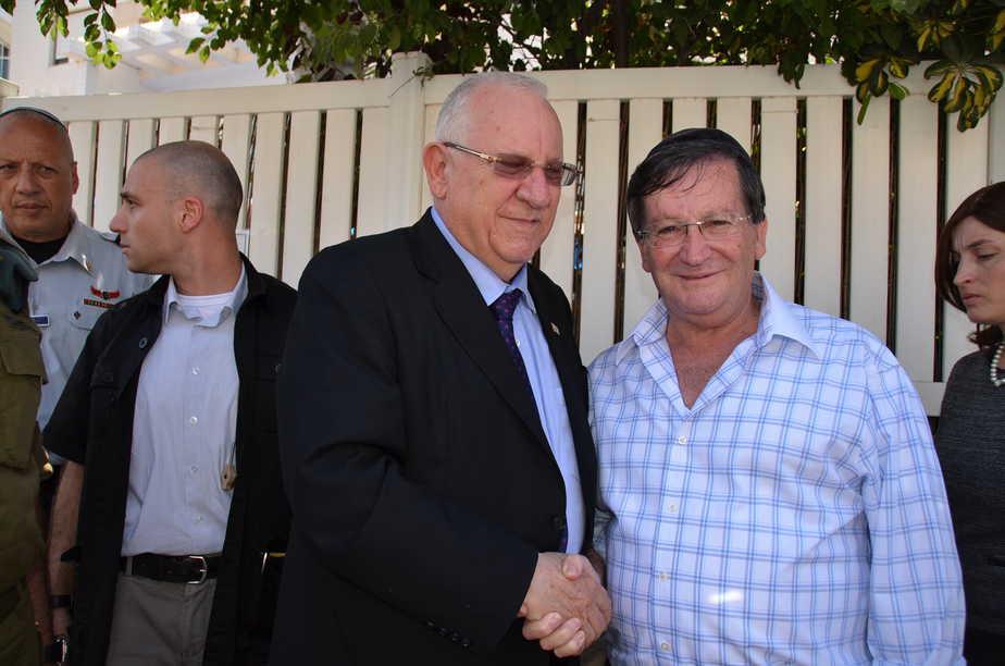 ראש עיריית נהריה ז'קי סבג ונשיא המדינה ראובן רבלין