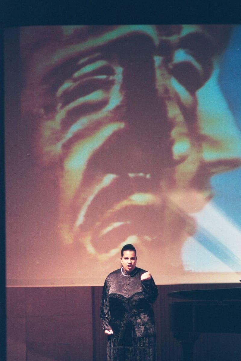 הילית צוק בהופעה (צילום: סער צוקרמן)