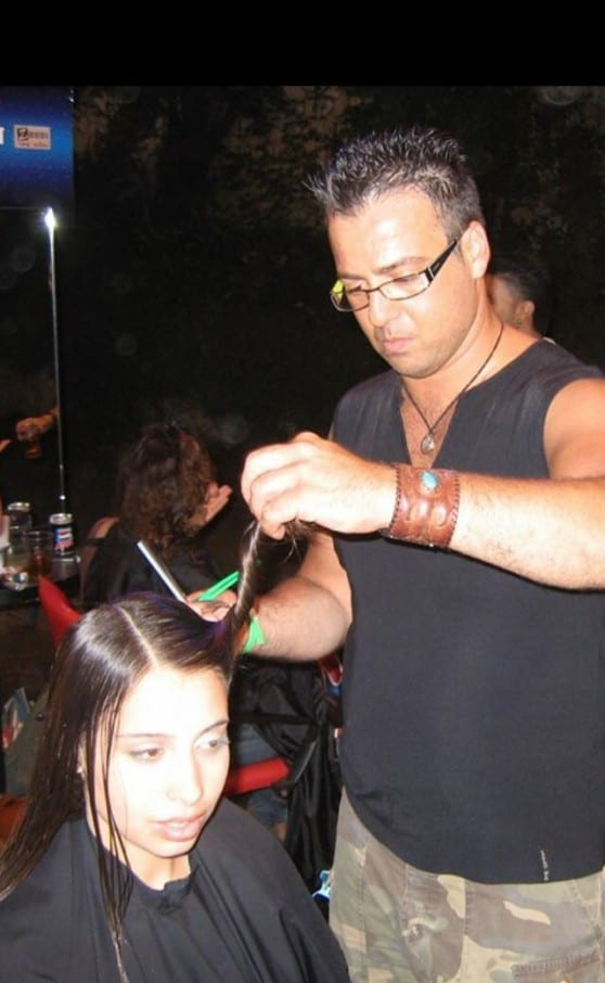 גילי רפאל במרכז להתחלקות ותוספות שיער (צילום: באדיבותו)