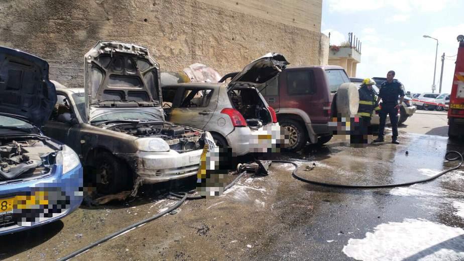 רכבים נשרפו בגלל מנגל של יום העצמאות (צילום: כיבוי אש מחוז חוף)