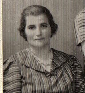 מאלבום משפחה של סיגלית, 1941, לזכר יום השואה