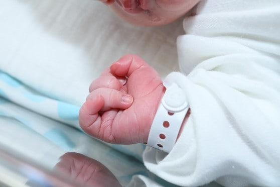 תינוקות שכל כך זקוקים לחיבוק (צילום אילוסטרציה: פיוטר פליטר)
