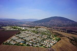 קבוצת חנן מור- מתחם המגורים היוקרתי כרמים של קבוצת חנן מור בכפר תבור. הדמיה אנדו הדמיות