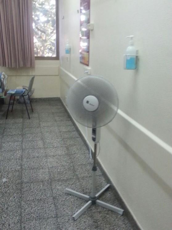 שנת 2015, מאווררים במחלקות הפנימיות. בית חולים נהריה (צילום עצמי)
