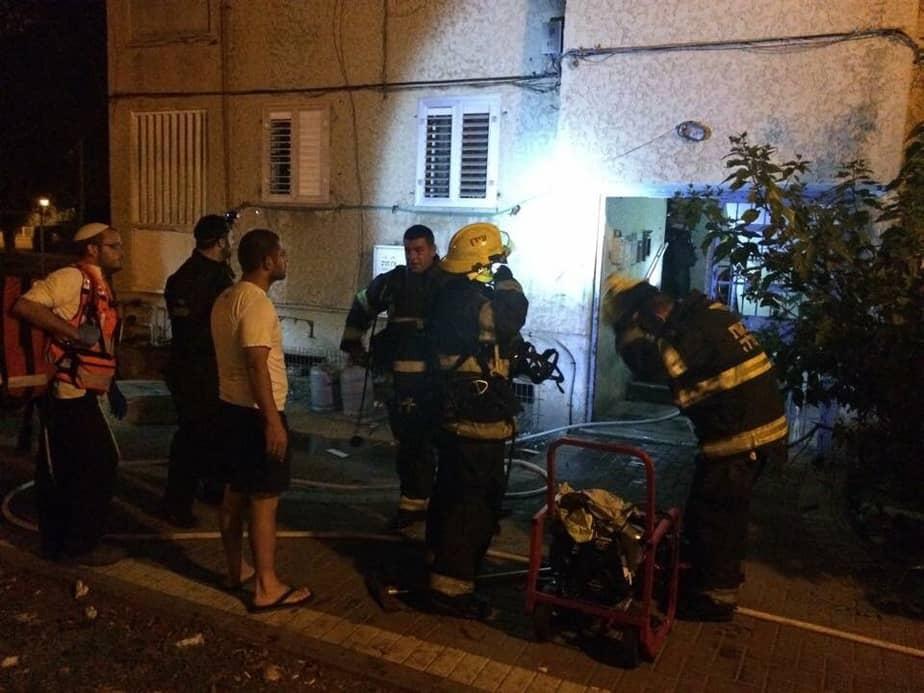 שריפה ברחוב הרצוג 4 (צילום: כיבוי אש זבולון)