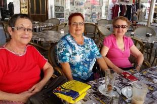 מימין: בלינה דובינסקי, עדה פישמן פרילינד ורבקה ירושלמי פרידמן צילום: רותי ברמן