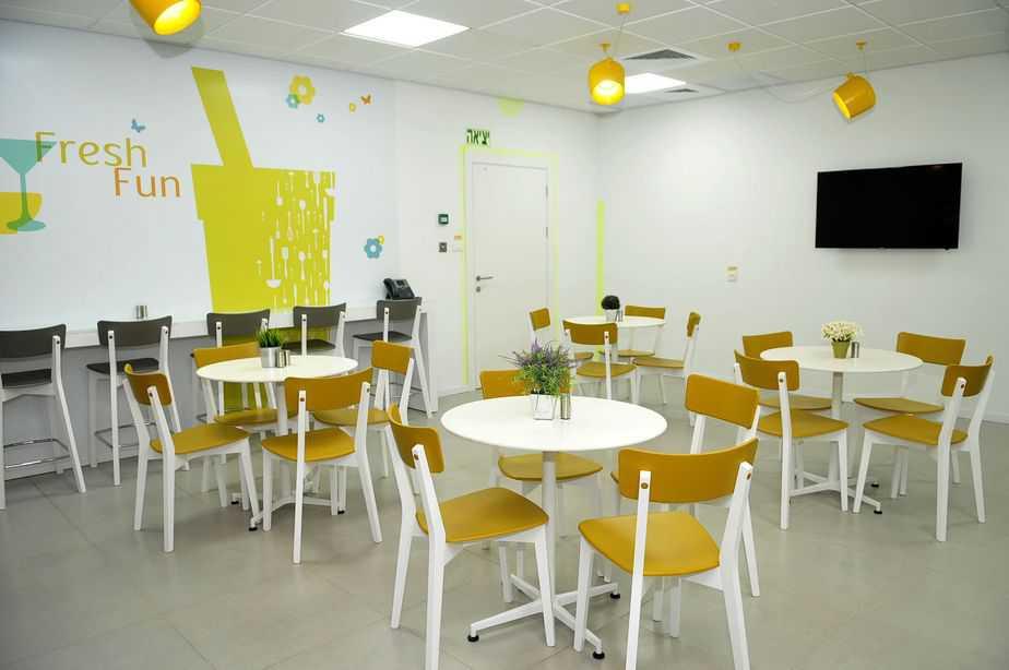 גם חדר אוכל (צילום: ואדים מיכאלוב)