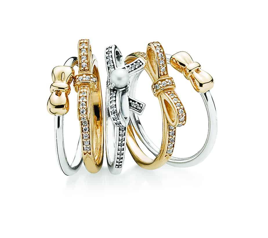 """קנו טבעת בפנדורה, קבלו שובר למניקור אקספרס [צילום: יח""""צ]"""