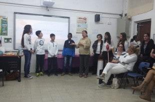 הילדים מסבירים את נזקי הסיגריות (צילום עצמי)