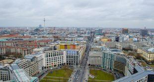 מיעוט כלי רכב בכבישים. ברלין (צילום: פוטוליה)