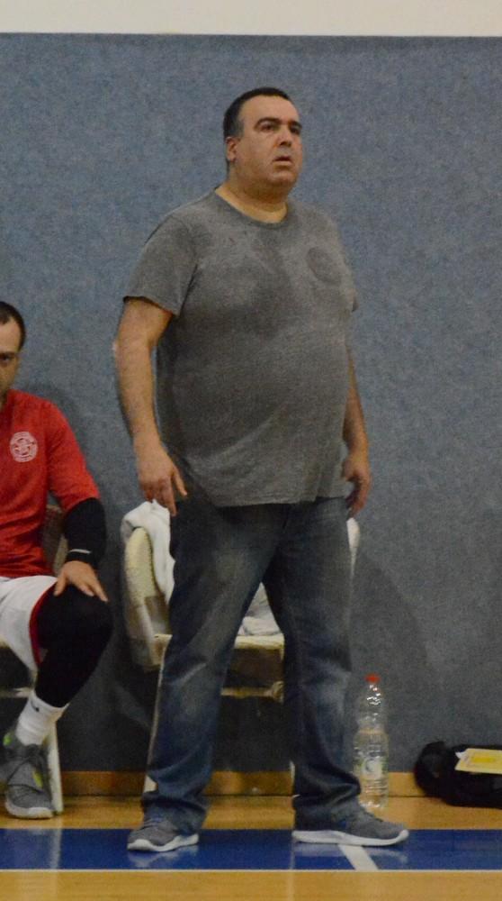 מאמן עכו יוסי בוכניק