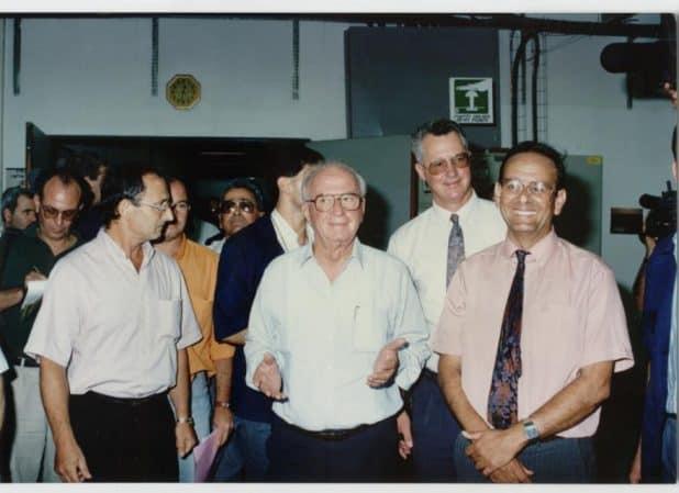 עדי אלדר עם יצחק רבין בהיכל התרבות כרמיאל