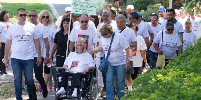 """אתי אזולאי עם חבריה בקק""""ל ביום המרוץ צילום: עמותת ישראלס"""