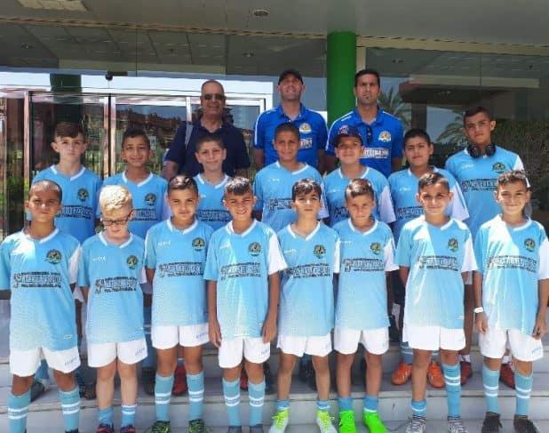 הכדורגלנים הצעירים מהעמק במחנה בספרד (צילום עצמי)