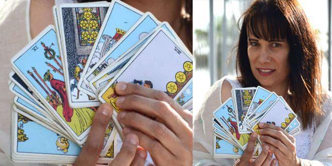אדווה ליזר והקלפים צילום קרן אלקיים