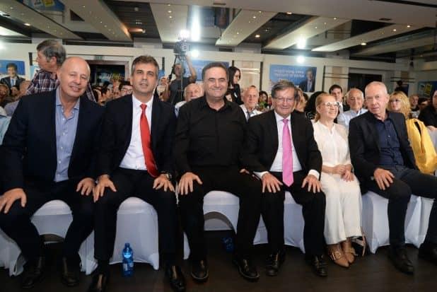 יד ביד. גלנט, מרסל וז'קי סבג, כץ, כהן והנגבי (צילום: שגיא פלקס)