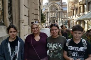 אילנית קליינרמן והילדים ברומניה (צילום עצמי)