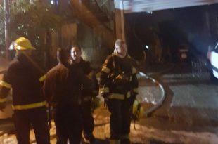 הכבאים במהלך השרפה (צילום דוברות כבאות והצלה)
