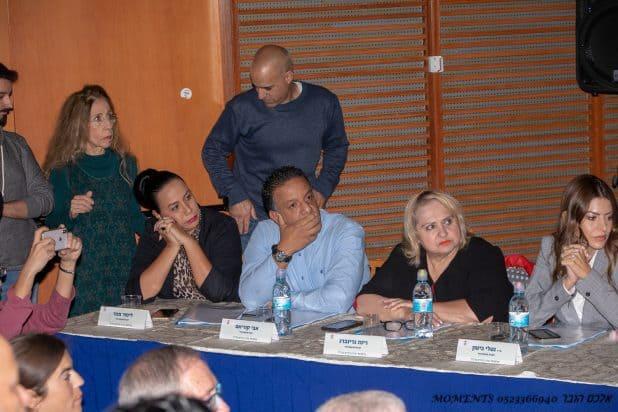 ישיבת מועצת העיר ה-12 חברי האופוזיציה צילום אלכס הובר