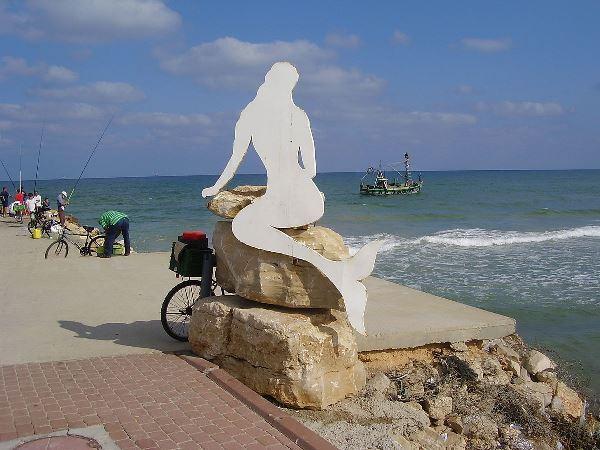 פסל הבתולה בקרית ים (צילום: דוברות העירייה)