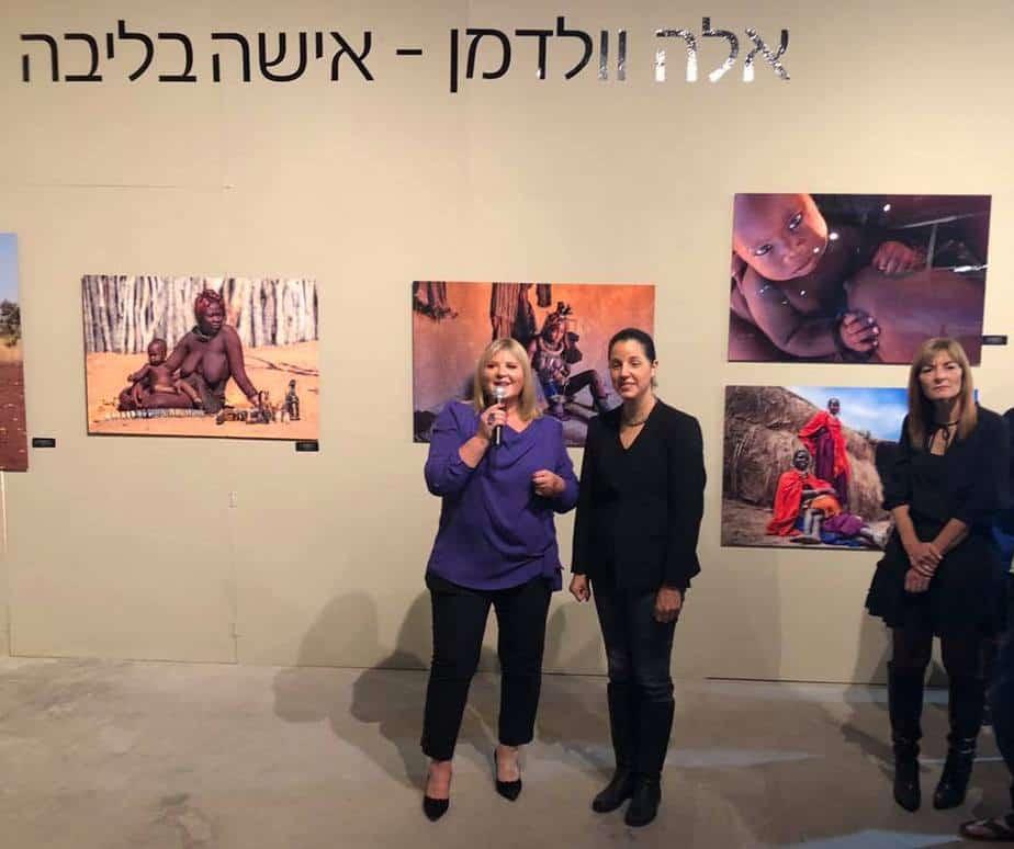 אלה וולדמן בפתיחה עם ראש המועצה גלית שאול צילום טלי ורניה הסטור